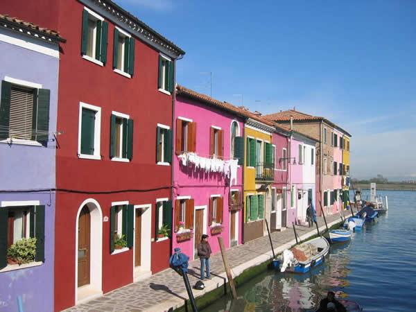 colores vivos para pintar fachadas